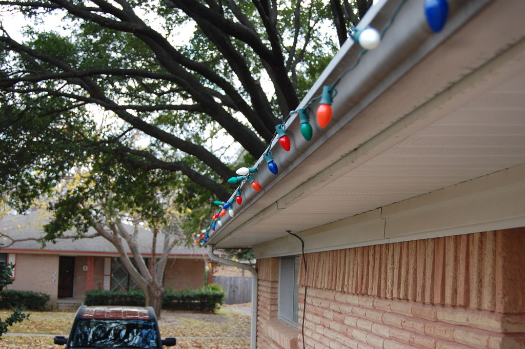 xmas ligths on gutters